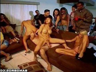 пьяные вечеринки, на которых трахается золотая молодежь