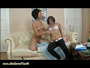 Пьяные лесбиянки порно hd: молодые подружки устроили жаркое порево со страпонами