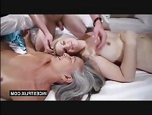 Ебля пьяной мамы и сестры в исполнении брата, решившегося на инцест