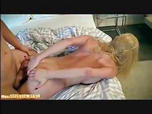 В этом порно мама пьяная спит со своим мужем в разных позах