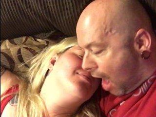Домашняя ебля пьяной женщины-блондинки от первого лица