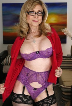 Порно звезда Nina Hartley