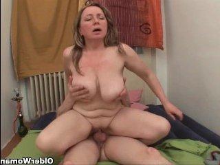 Мама Трахает Молодого Порно